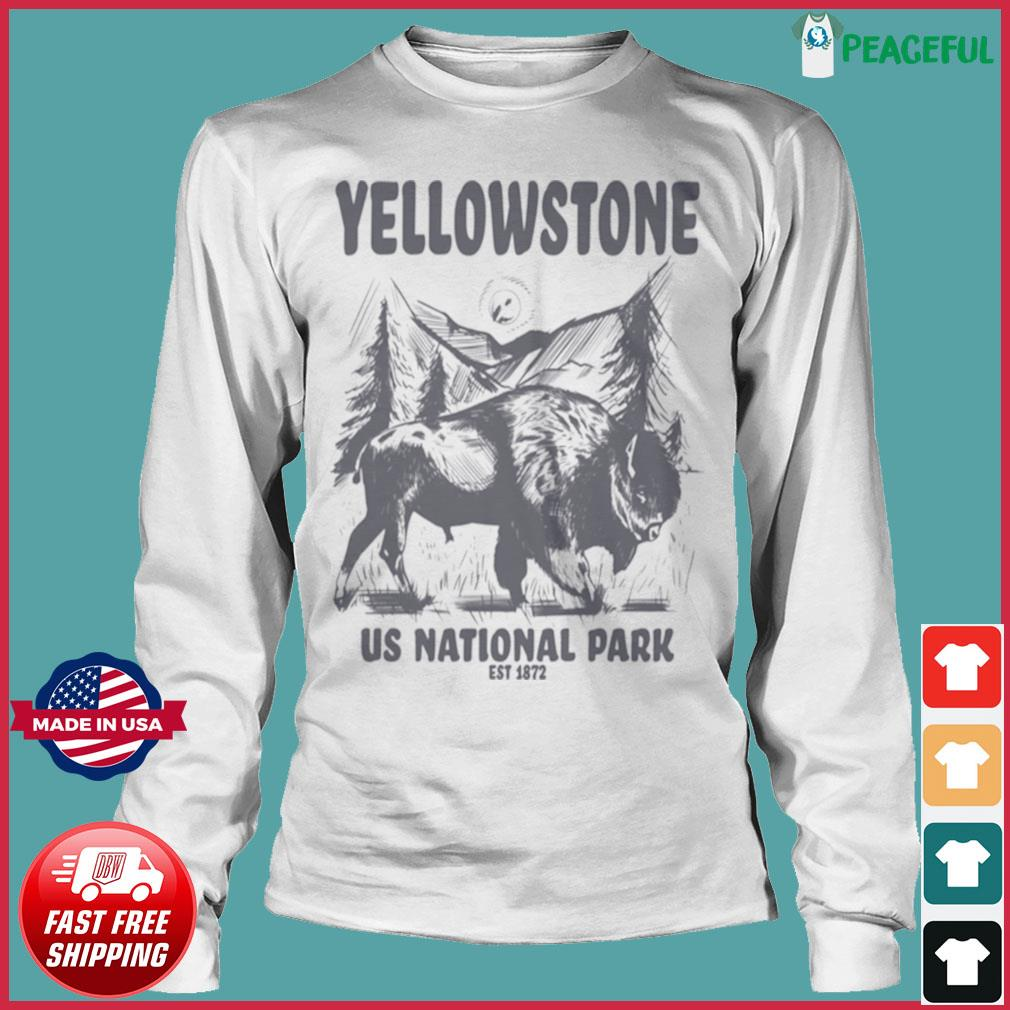 Yellowstone US National Park 1872 Bison Mountain Landscape s Long Sleeve Tee